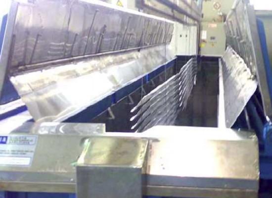 Impianto per sgrassaggio e lavaggio particolari aeronautici