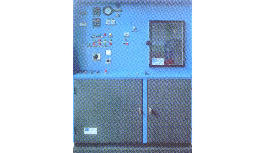 Banco idraulico progettato per l'esecuzione di prove di resistenza