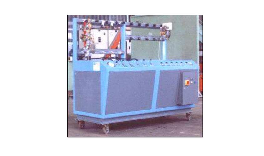 Banco da laboratorio per prove di funzionamento e collaudo su contattori ad azionamento pneumatico